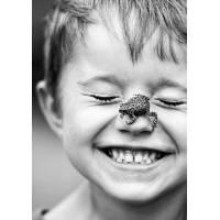 Carte Enfants Noir et Blanc Jeune Garçon et Grenouille