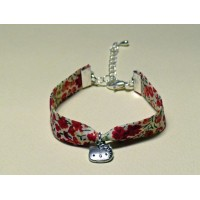 Bracelet liberty of London Phoebe rouge breloque Hello Kitty