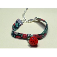 Bracelet liberty of London gourmand Wiltshire Rouge breloque fraise