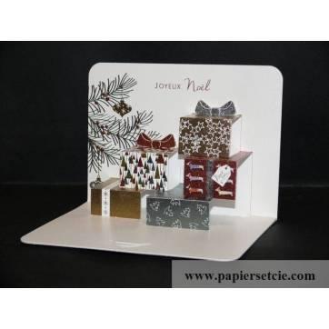 Carte anglaise Pop Up Joyeux Noël Les Cadeaux